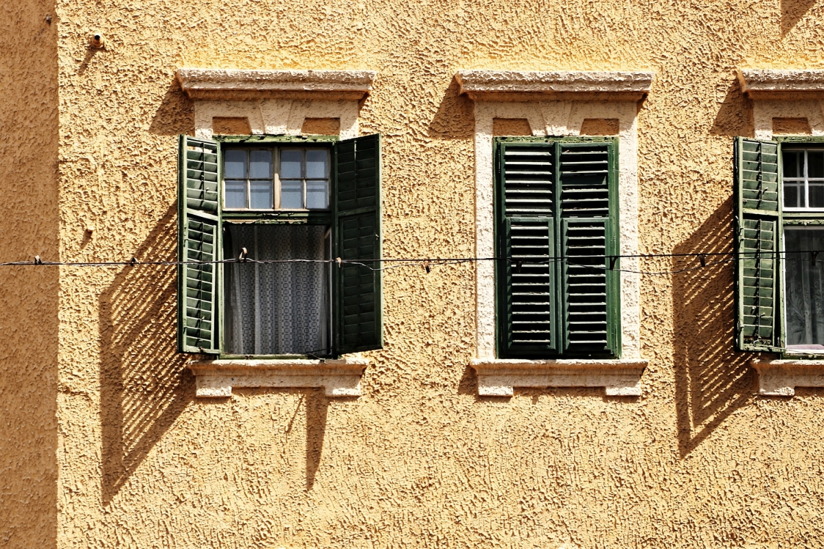 2017-08-31: green shutters